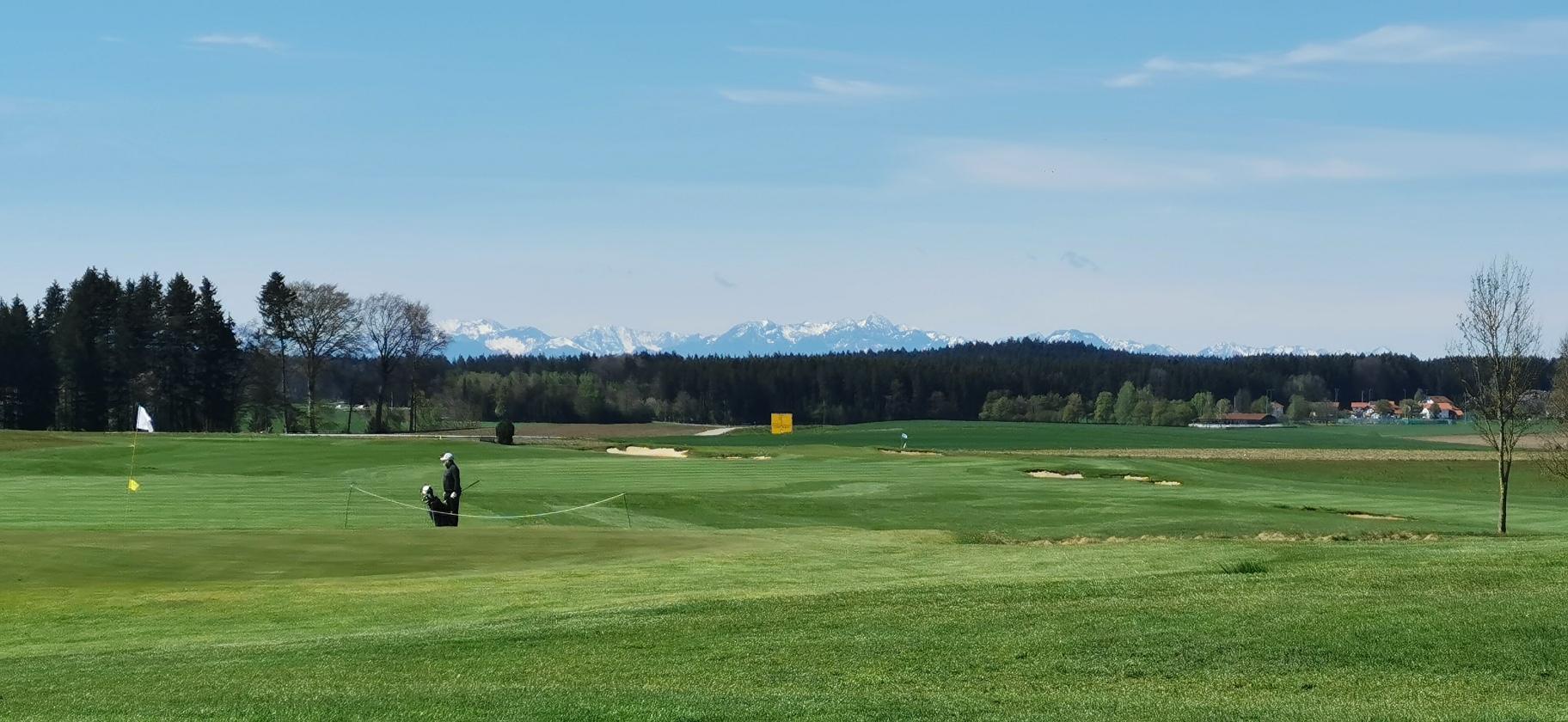 Schloßberger Golferinnen und Golfer überzeugen mit hervorragenden Ergebnissen
